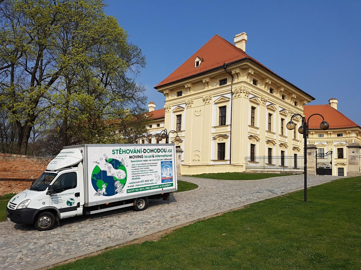 Stěhování zámku v Praze