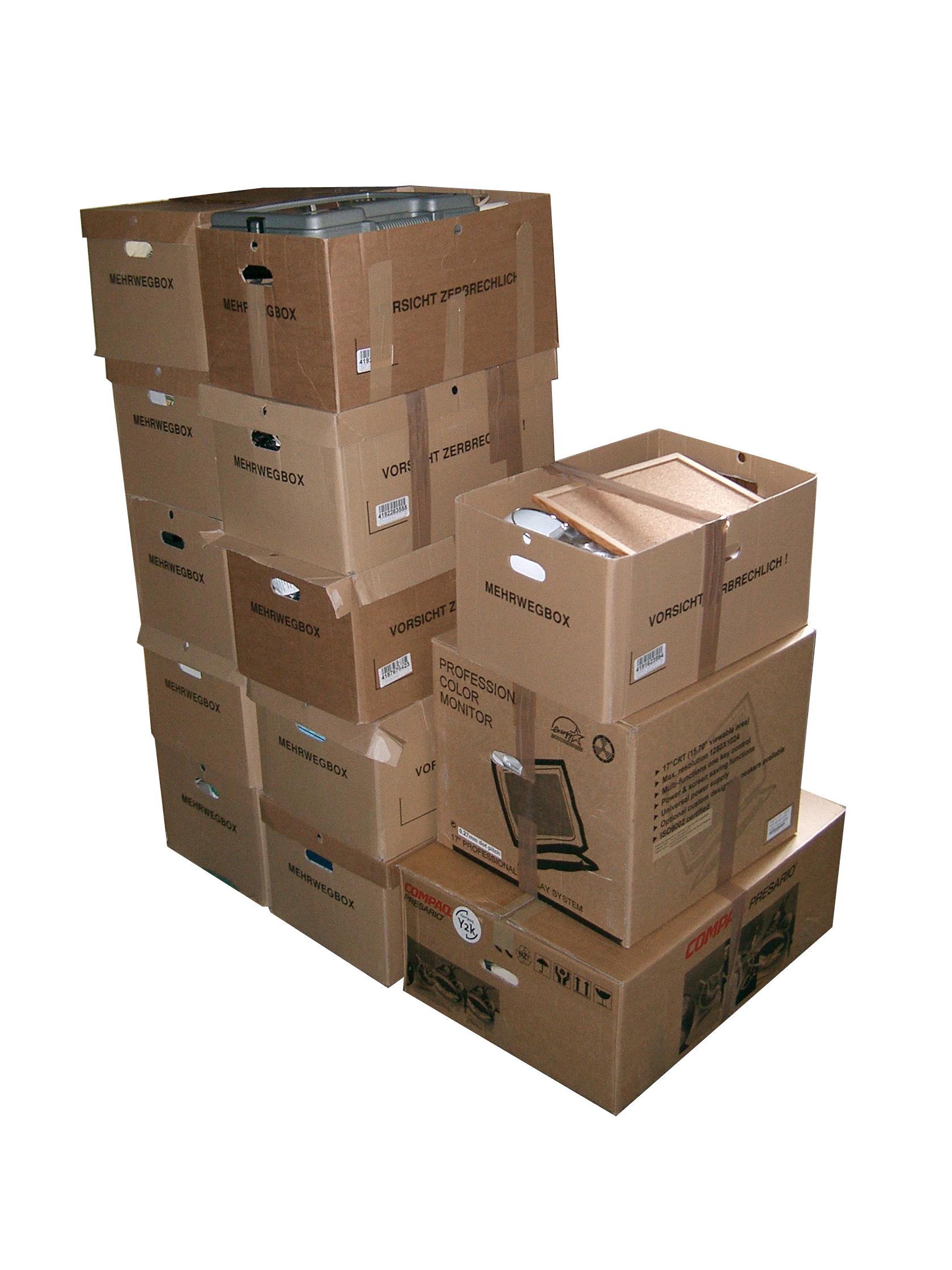 Stěhování - zkušenosti - krabice na stěhování zdarma